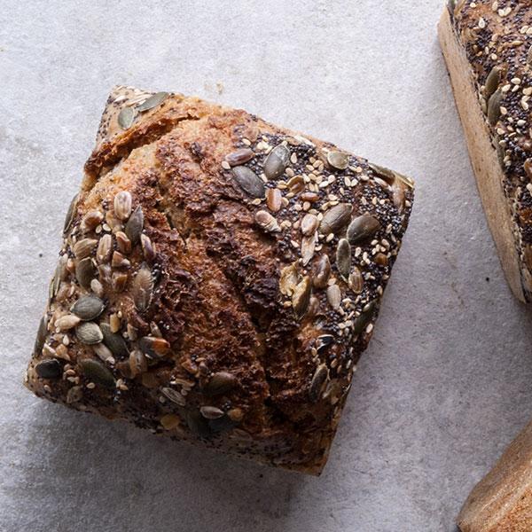 pão miolo espelta e centeio integral com sementes